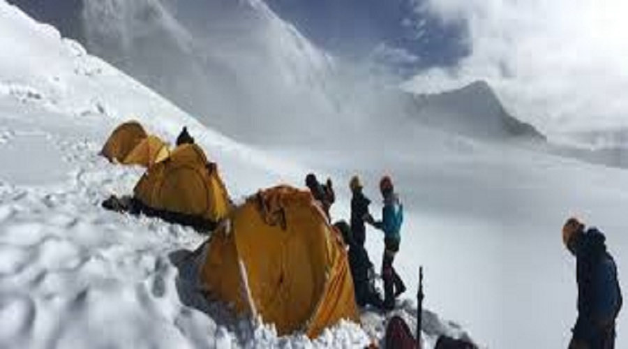 Tourism depart issues expedition permit to 71 mountaineering groups