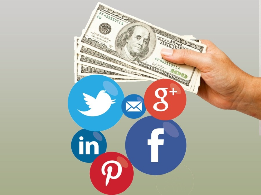 How to earn money Using Social Media (with tips)