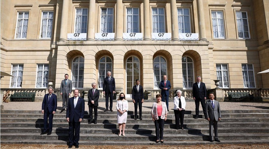 G7: World leaders promise one billion Covid vaccine doses for poorer nations